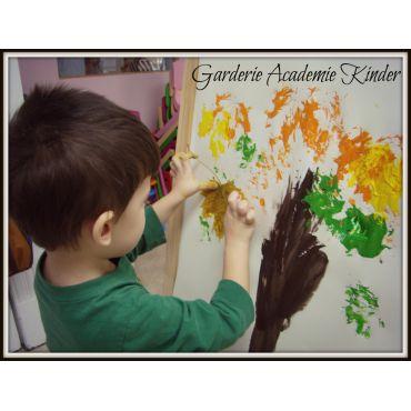 Garderie Academie Kinder PROFILE.logo