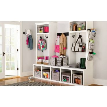Sick of clutter? Organize your entrance