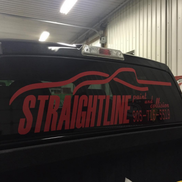 Straightline Paint & Collision logo