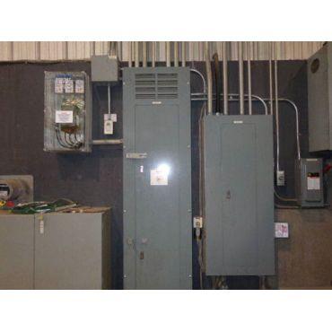 2 unités; 120/208  et  600/347 volts