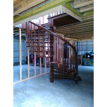 Escalier calimaçon sur axe central