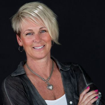 Maureen Mackenzie - Royal LePage Port Alberni - Pacific Rim Realty logo