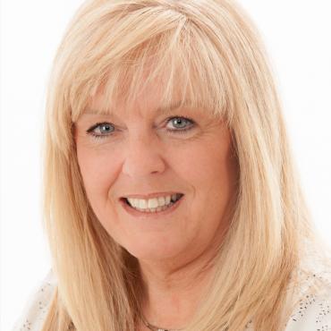 Julie Roy - Courtier immobilier agréé RE/MAX 3000 inc. PROFILE.logo