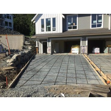Slab prep & retaining wall - Commercial