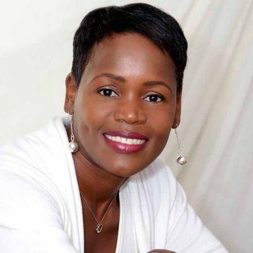 Lesreen Thomas - Right at Home Realty Inc. PROFILE.logo