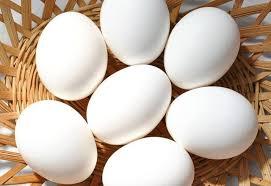 Ovos brancos bdj meia duzia