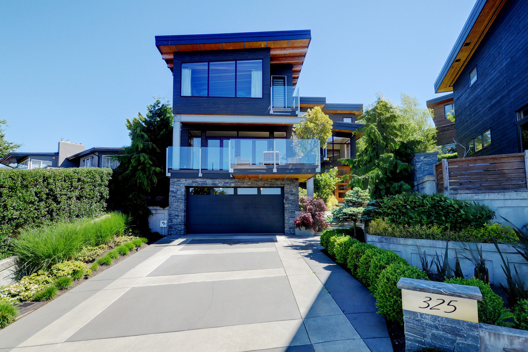 Other for Sale at 325 Windermere Pl Victoria, British Columbia,Canada