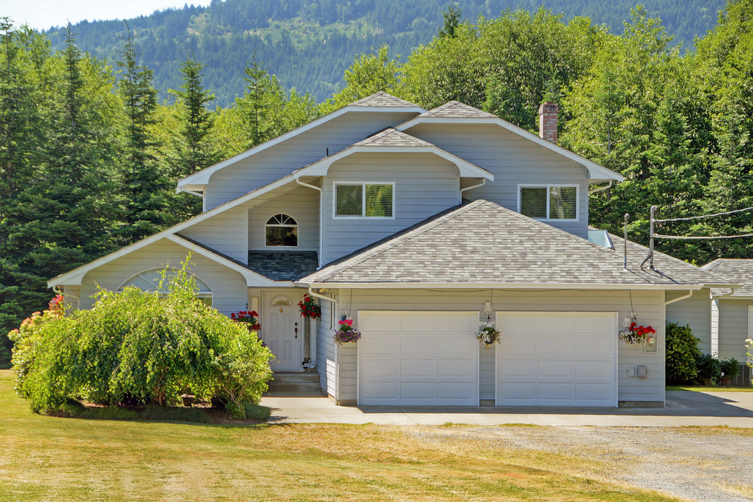 Other for Sale at 6936 Bell mckinnon Rd British Columbia, Canada