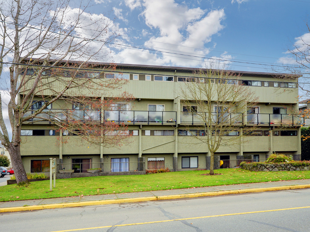 Tanners Dream Office Good Layout For This Bedroom Two Level Floor Plan Is Must See Bright Ground Level Known As The u201cpremier Unitu201d In Building With Large Main Living Space Victoria Bc Townhouses For Sale Top Real Estate Agent