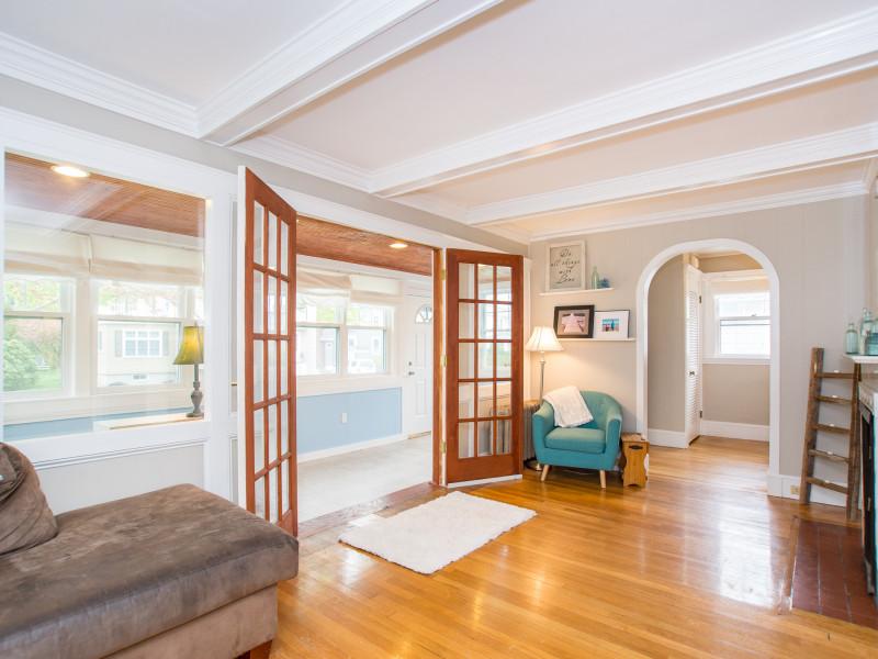 23 Bertram Street, Beverly - Livingroom