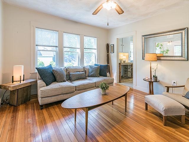 136 Park Street, Medford - Living room