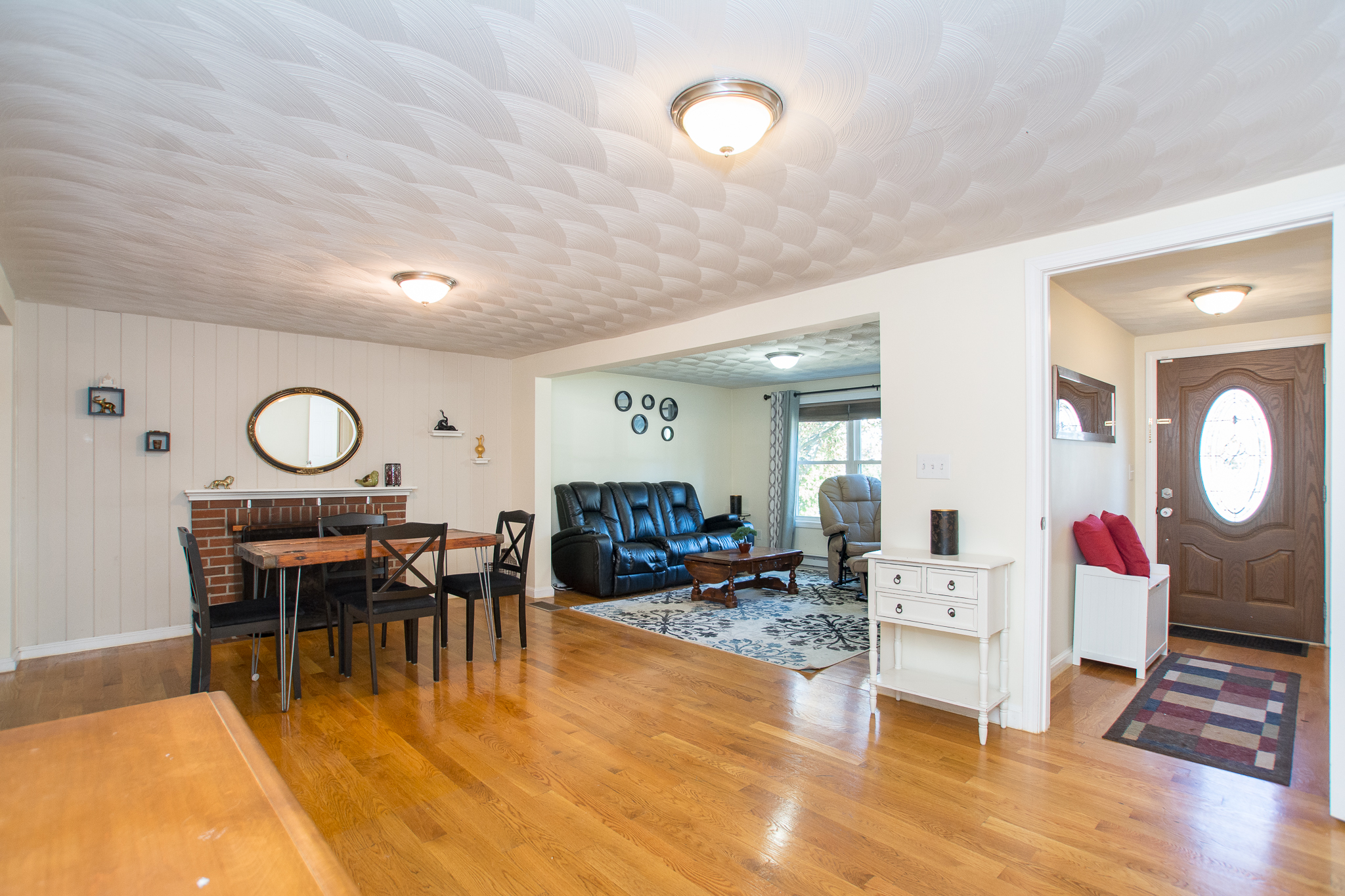 74 Tudor Street, Waltham - Living and Dining Rooms