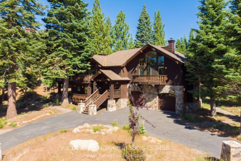 Tahoe Donner Truckee CA Homes for Sale - This stunning Tahoe Donner CA mountain lodge offers you the chance to entertain, relax, and live the lifestyle you long for.