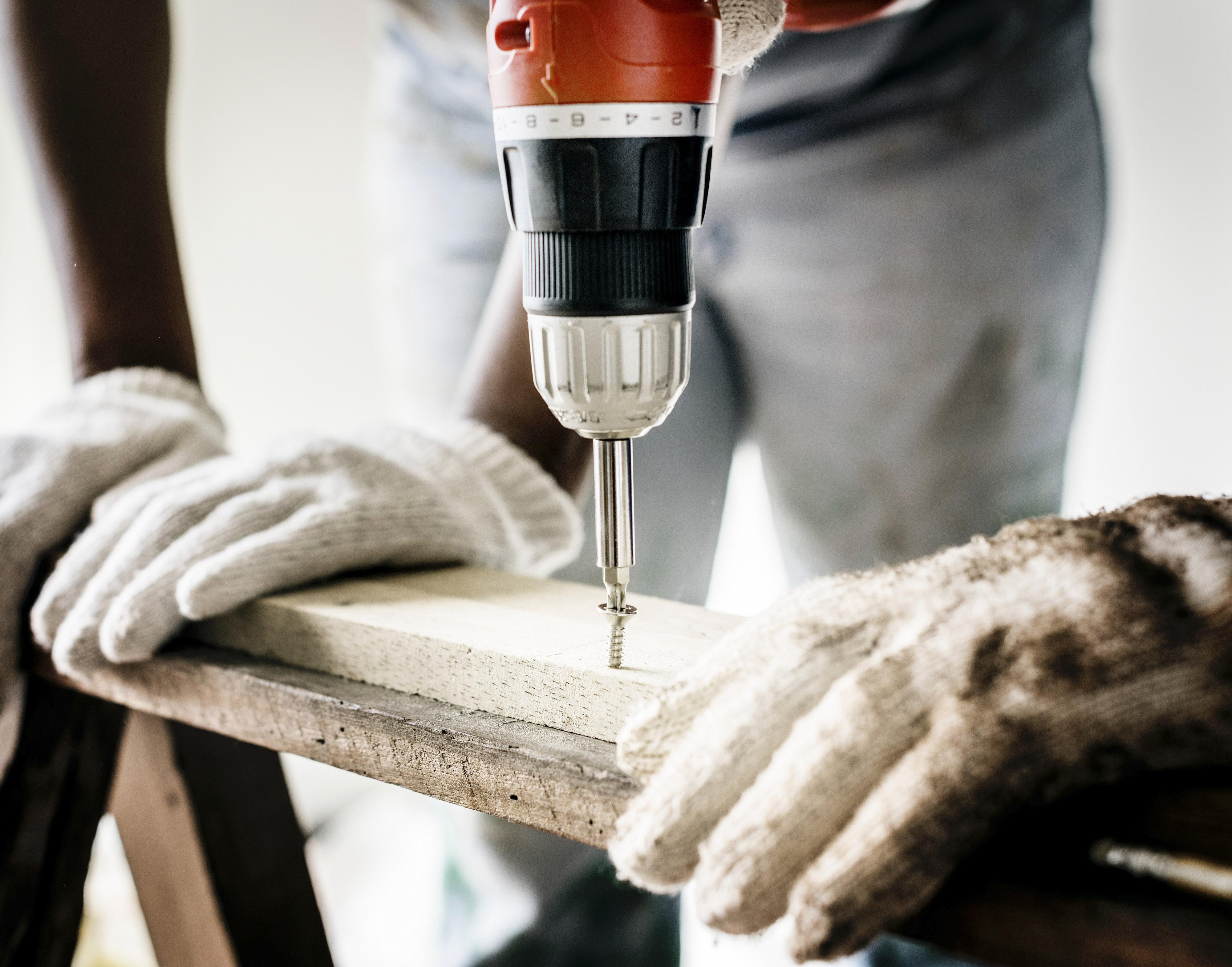 builder-carpenter.jpg