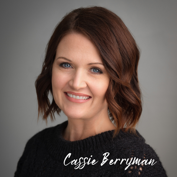 Headshot of Cassie Berryman, a buyers agent for the Flanagan Group, Keller Williams Realty of Southwest Missouri