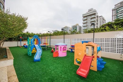 Playground - Fachada - Península - Evidence - 352 - 7