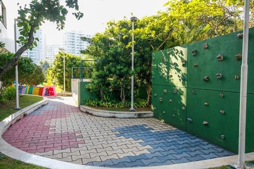 Playground - Fachada - Península - Via Privilége - 106 - 9
