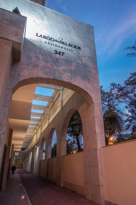 Acesso - Fachada - Largo dos Palácios - 144 - 4