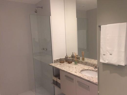 Banheiro - Fachada - Guess - 1488 - 16