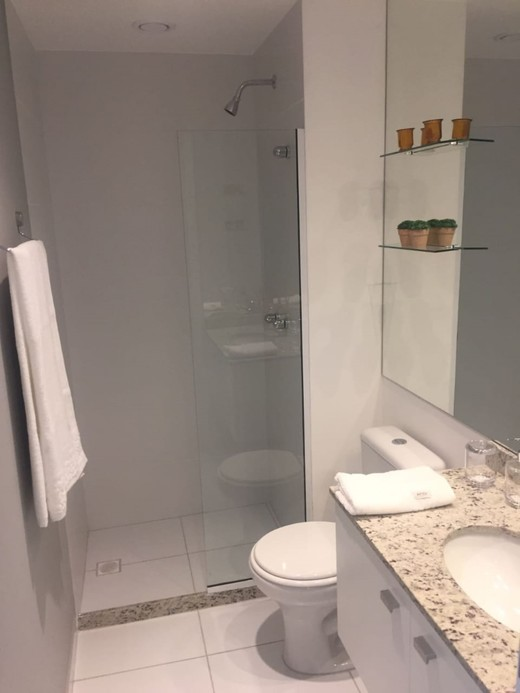 Banheiro - Fachada - Guess - 1488 - 17