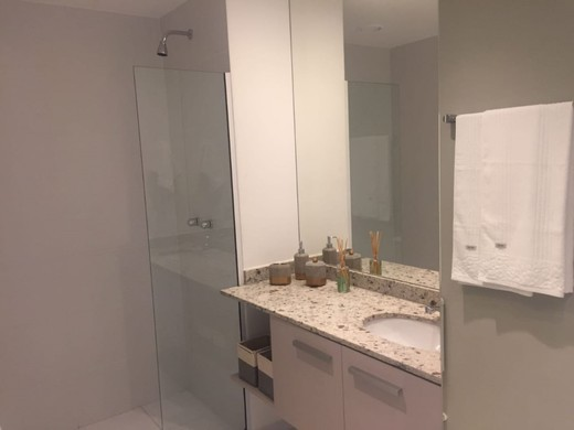 Banheiro - Fachada - Guess - 1488 - 18
