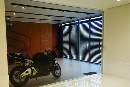 Garagem - Fachada - Casa 1 Condomínio Alphaville - 153 - 17