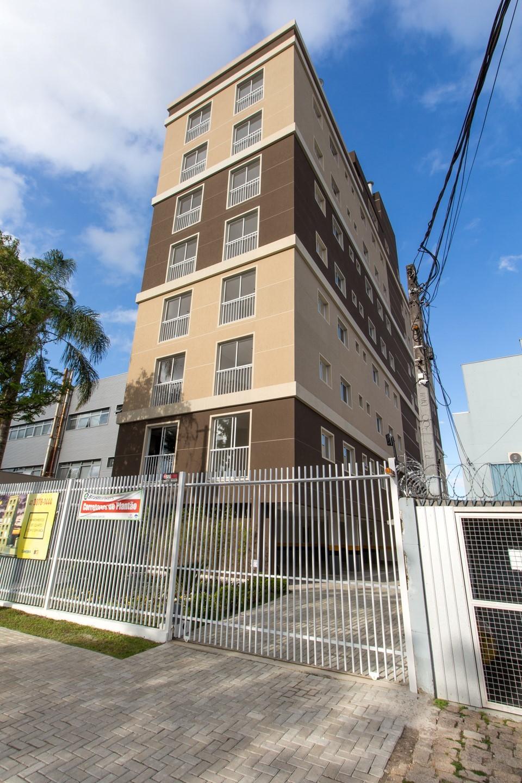 Foto 1 - APARTAMENTO em CURITIBA - PR, no bairro Rebouças - Referência LE00564