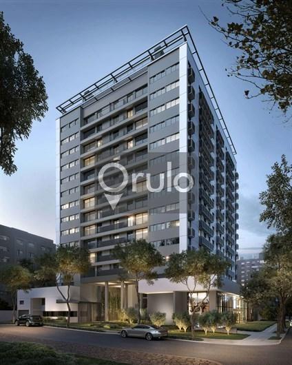 O empreendimento possui o conceito ?MYPLAN?, sendo possível realizar junções nas unidades com as seguintes metragens: 43,13m² + 65,21m² = 108,34m² e 53,08m² + 74,68m² = 127,76m², expandindo de 1 até 3 dormitórios (possibilidade de 2 dormitórios com living estendido). A região mais cosmopolita de Porto Alegre agora tem um endereço à altura. Um prédio conectado às novas tendências, com infraestrutura diferenciada e localização privilegiadas para você curtir o estilo contemporâneo de viver bem. Experimente estar onde o melhor da vida urbana acontece.