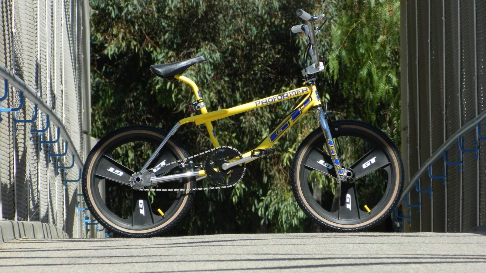 https://s3.amazonaws.com/uploads.bmxmuseum.com/user-images/17414/gp-bike-side-view5f8ce47755.jpg