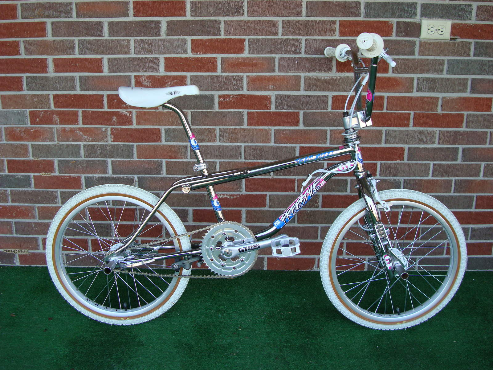 https://s3.amazonaws.com/uploads.bmxmuseum.com/user-images/2135/dsc0352857cd747714.jpg