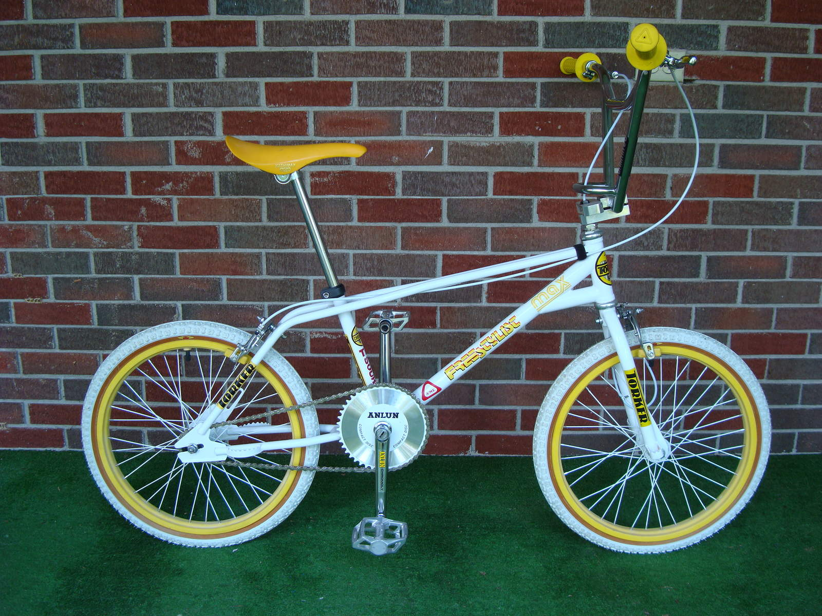 https://s3.amazonaws.com/uploads.bmxmuseum.com/user-images/2135/dsc0489657cd7412ab.jpg