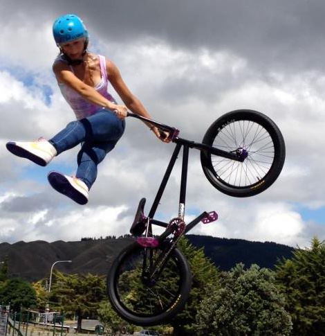 https://s3.amazonaws.com/uploads.bmxmuseum.com/user-images/227496/ellie-thumbnail5cef3edca9.jpg