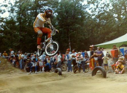 https://s3.amazonaws.com/uploads.bmxmuseum.com/user-images/24813/50-nelson-chanady-clearing-whoops-at-nbl-national-19805e97520477.jpg