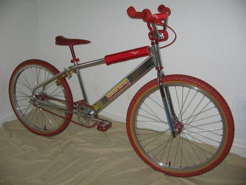https://s3.amazonaws.com/uploads.bmxmuseum.com/user-images/3408/bikes12-17-070615d51c43d21.jpg