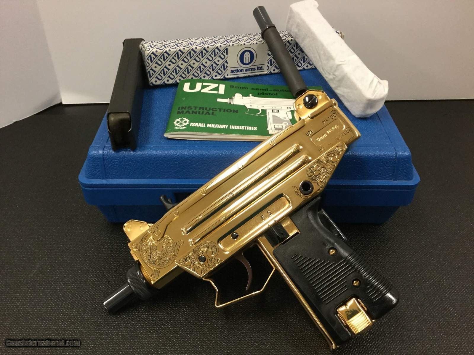 https://s3.amazonaws.com/uploads.bmxmuseum.com/user-images/37048/imi-uzi-pistol-limited-edition-84-100-gold-plated_101265298_52388_629bb758967b6b1e5fbeedba8a.jpg
