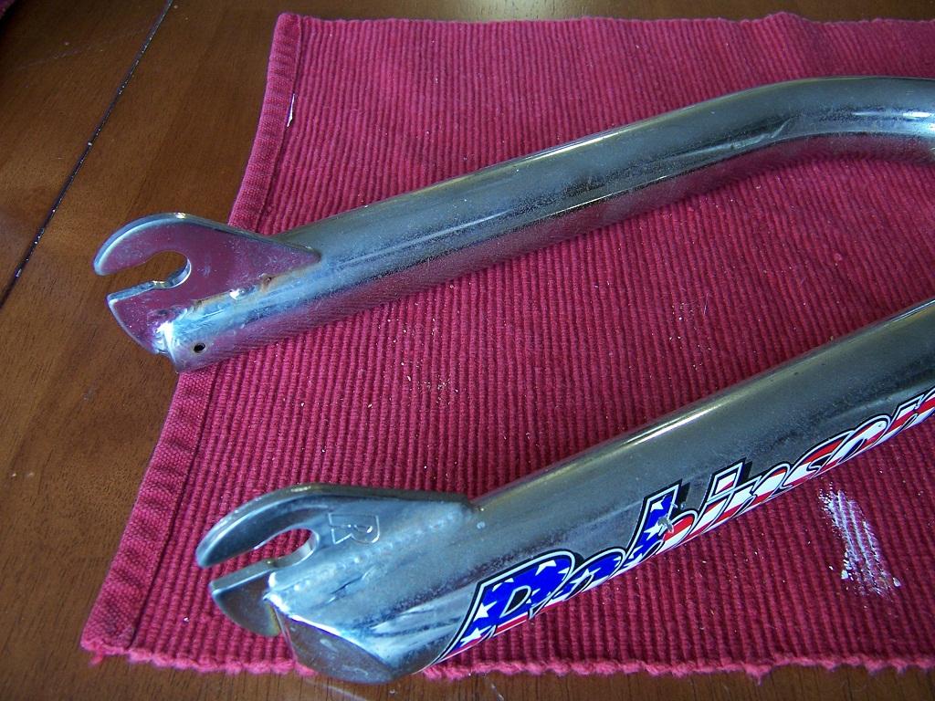 https://s3.amazonaws.com/uploads.bmxmuseum.com/user-images/45913/robinson-forks-rust-1596c6ad8e2.jpg