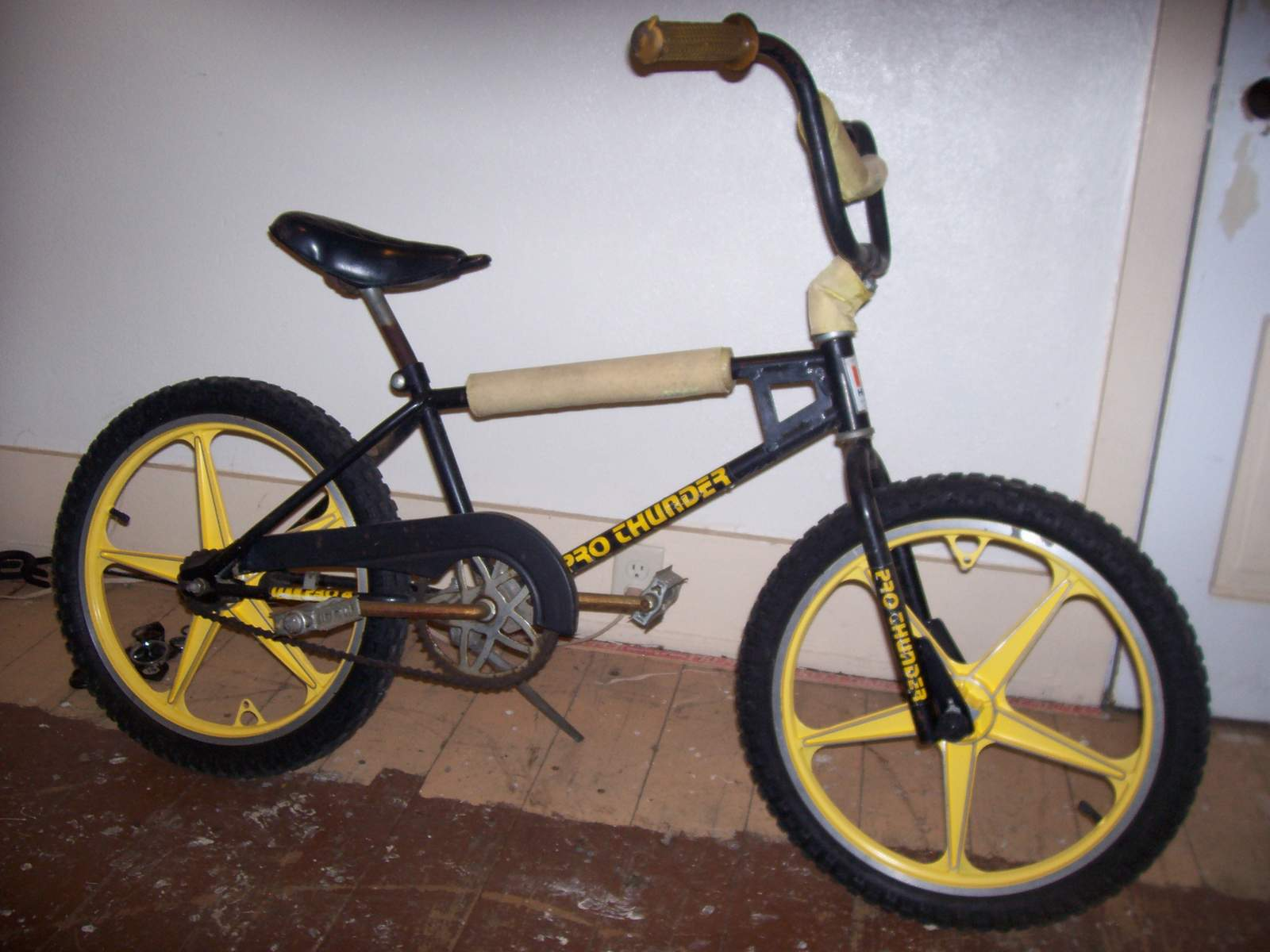 https://s3.amazonaws.com/uploads.bmxmuseum.com/user-images/61851/100_577657ebacf645.jpg