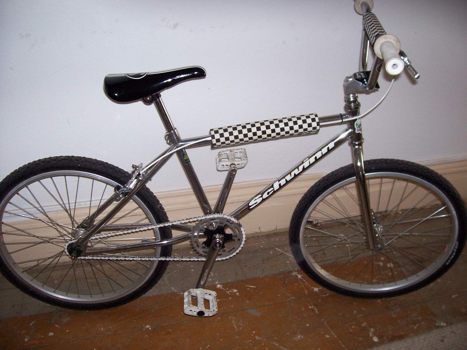 https://s3.amazonaws.com/uploads.bmxmuseum.com/user-images/61851/100_968359a070d0e4.jpg