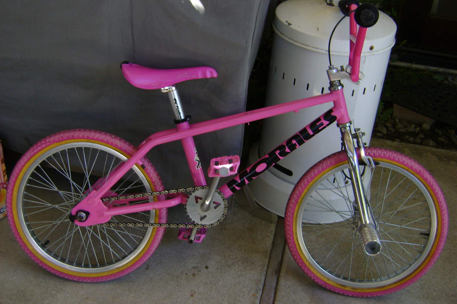 https://s3.amazonaws.com/uploads.bmxmuseum.com/user-images/6905/bikes-freestyle-0575968fa8f8d.jpg