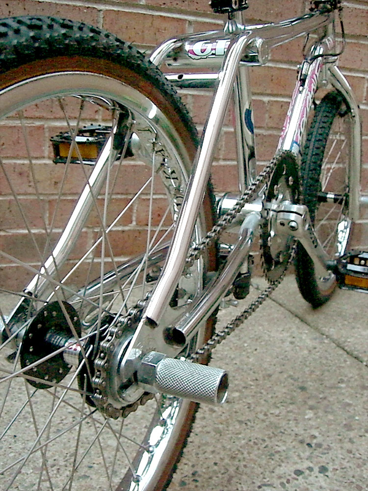 https://s3.amazonaws.com/uploads.bmxmuseum.com/user-images/7439/gt_pft_chrome_rearpeg583690a2e8.jpg