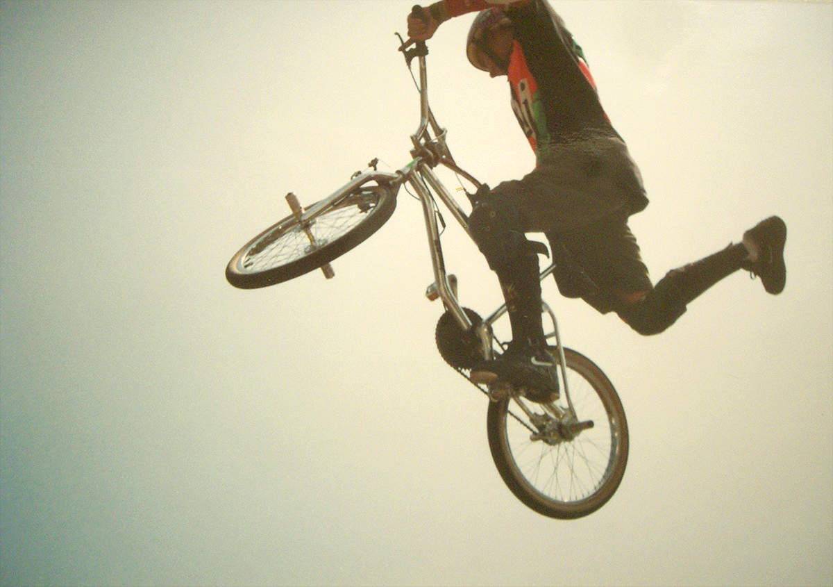 https://s3.amazonaws.com/uploads.bmxmuseum.com/user-images/7439/matt1991_gt_onefoot_air5836911775.jpg