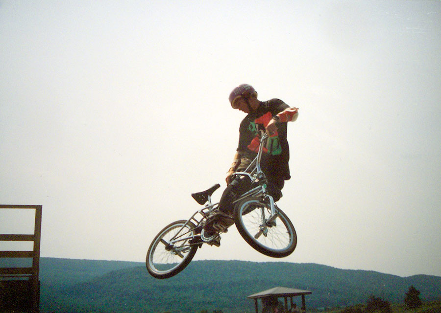 https://s3.amazonaws.com/uploads.bmxmuseum.com/user-images/7439/matt_woodward158368f8051.jpg