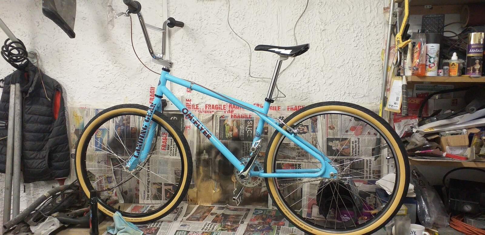 https://s3.amazonaws.com/uploads.bmxmuseum.com/user-images/84768/new-bike-tyres603f78f9ad.jpg