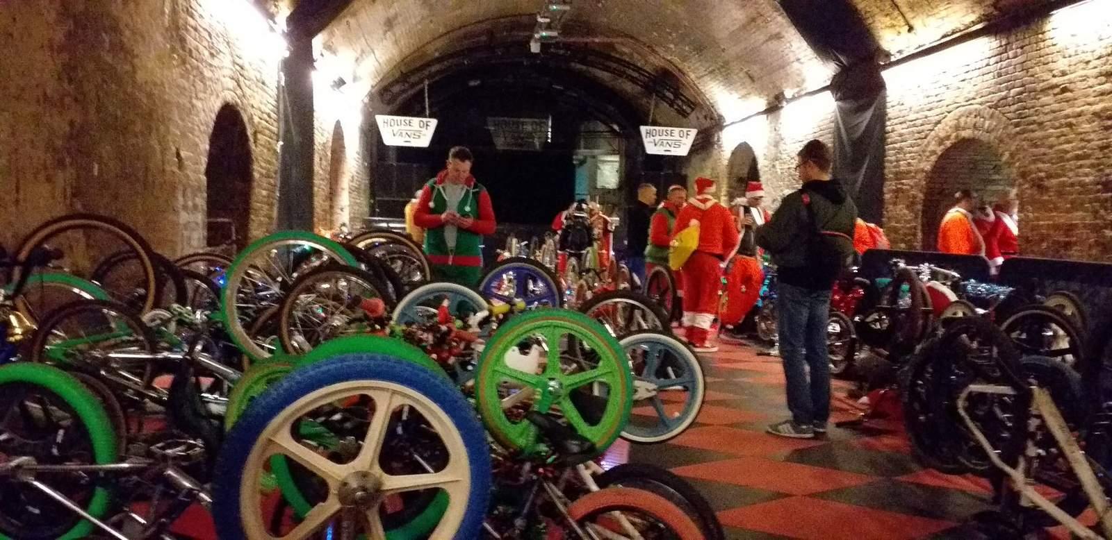 https://s3.amazonaws.com/uploads.bmxmuseum.com/user-images/84768/vans-bikes-stored5f7b33b28e.jpg