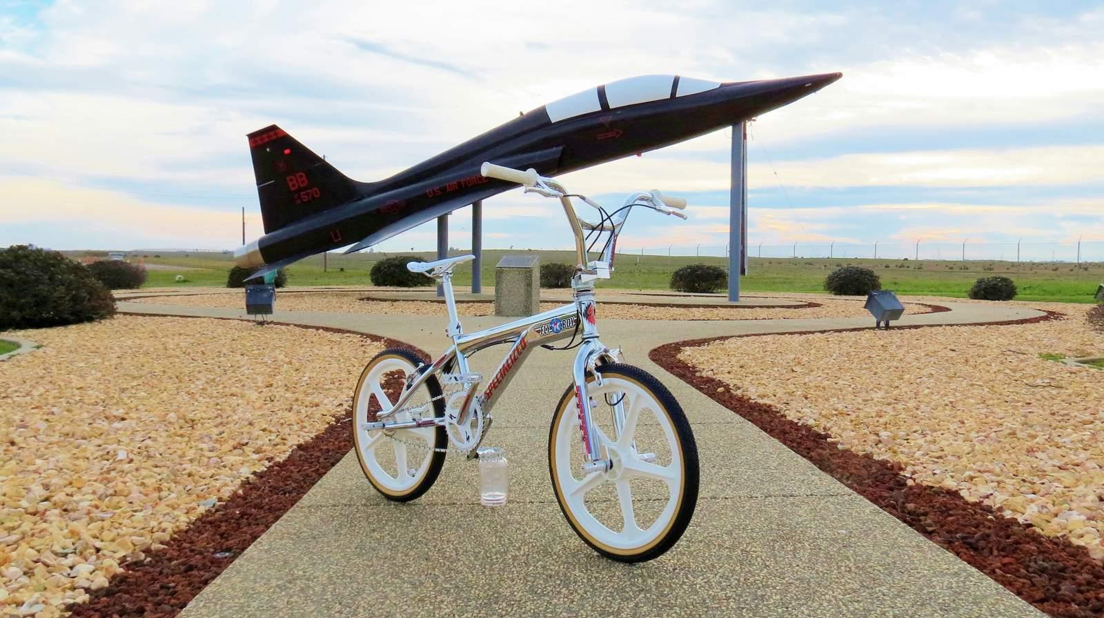 https://s3.amazonaws.com/uploads.bmxmuseum.com/user-images/97397/08m-flyboy-close-up589ae4fb5f.jpg