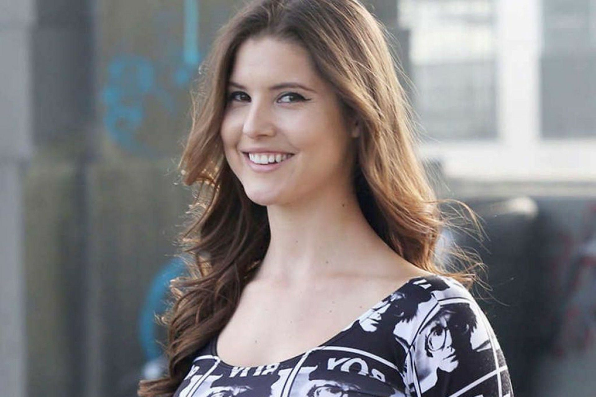 Amanda Cerny - Biography