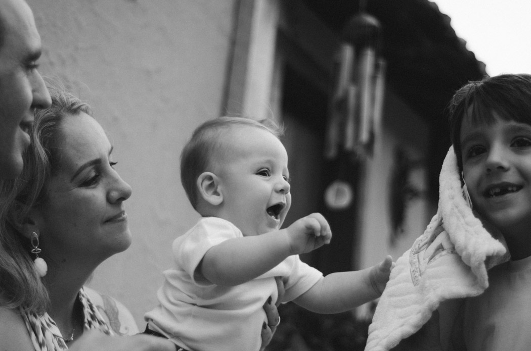 Ensaio fotográfico da Rose e do Detão com seus filhos, realizado no Café da Colônia, em Uchoa