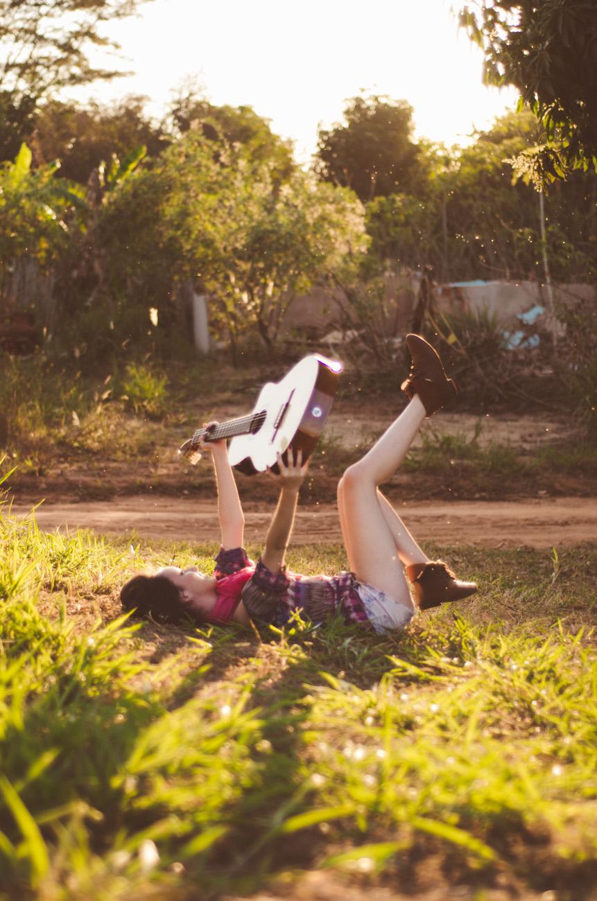 Ensaio fotográfico da Laissa, realizado por Daniela Seco, book fotográfico,book 15 anos,book de menina 15 anos, foto 15 anos,book de fotos de 15 anos,ensaio fotográfico de 15 anos, sessão fotográfica de 15 anos, ensaio fotográfico de menina,book externo,fotografias externas,luz natural,flane,contra-luz,por do sol,fotos do por-do-sol, silhueta,fotografias com flores,primavera,uchoa,sp,fotos de menina,book fotografico feminino,fotos da laissa