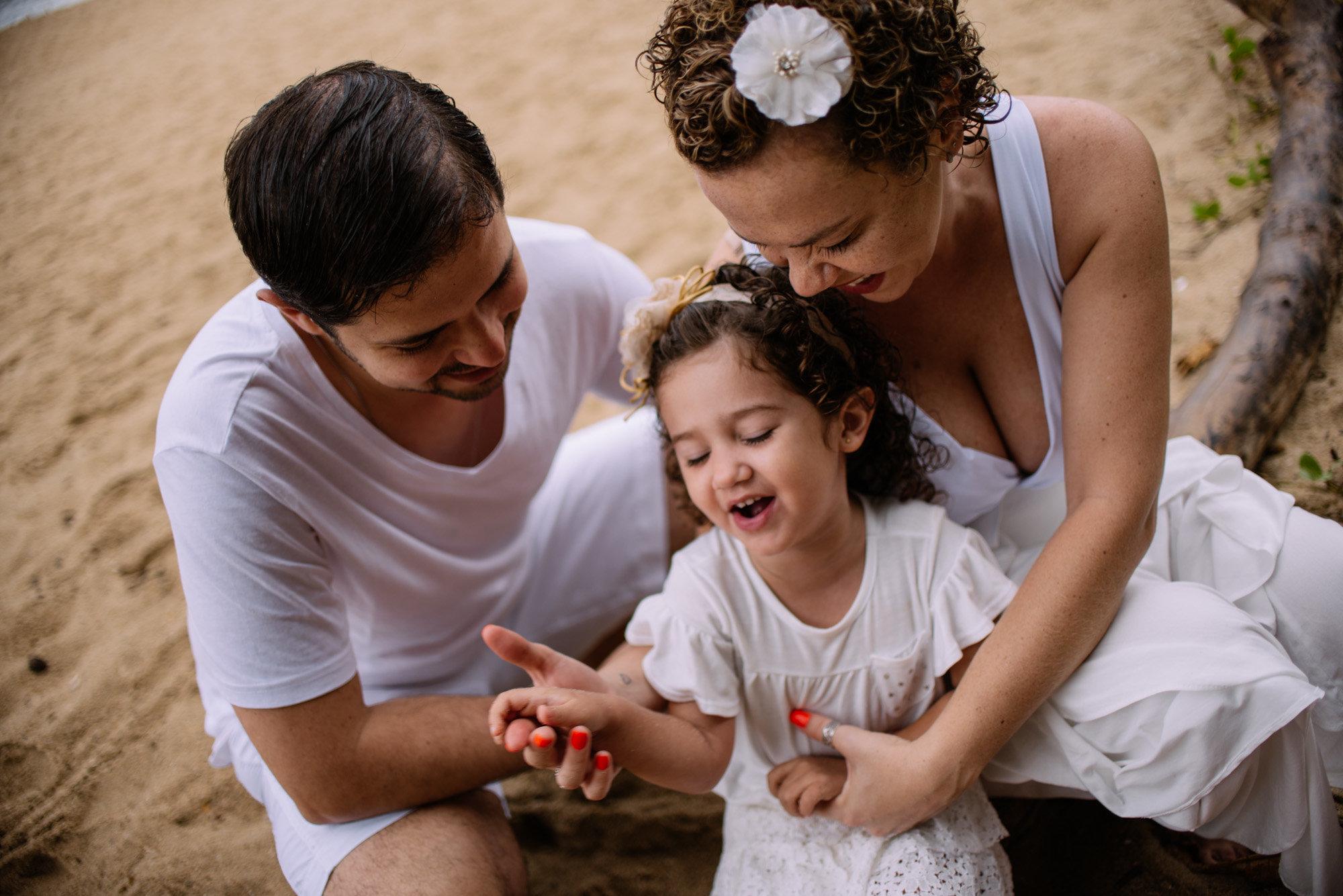 momentos divertidos em família na praia
