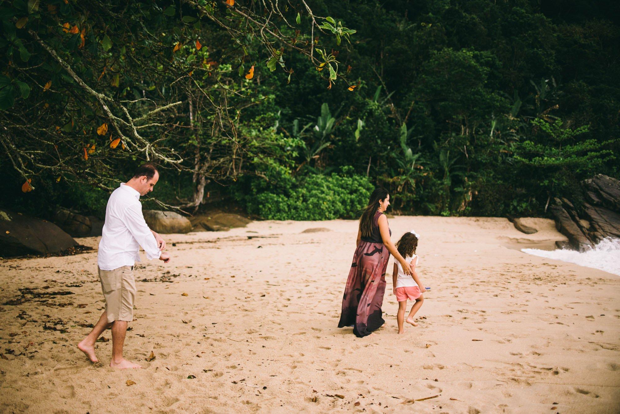 família na praia ubatuba